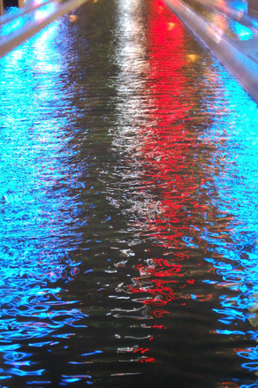 red-white-blue-water-1175802