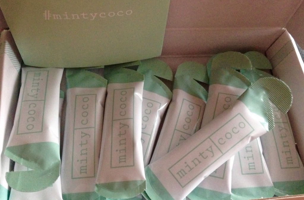 Minty Coco Natural Teeth Whitening | Review