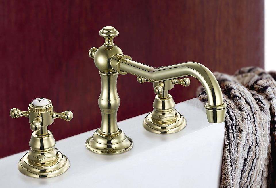 The Secret of a Gorgeous Bathroom? Accessories
