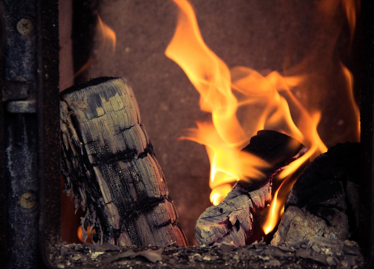 fireplace-933565_1280