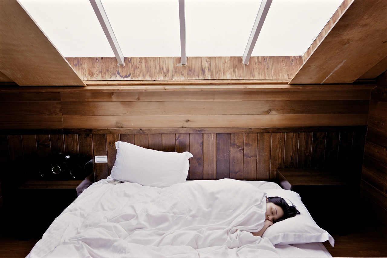 Sleep Style: Does it Determine the Mattress or Pillows You Should Use?