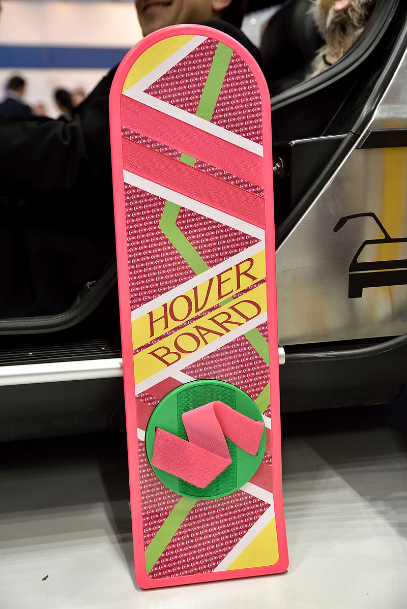 Hoverboard_-_Back_to_the_Future_–_CeBIT_2016_02