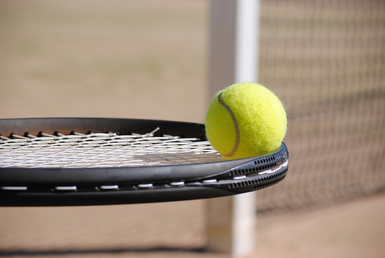 tennis-2042725_1280