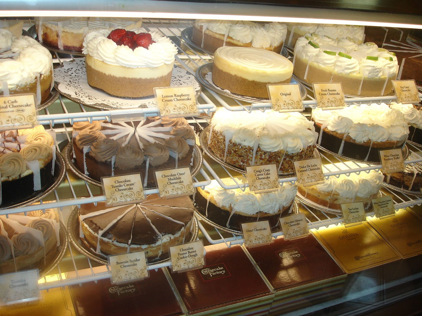 Cheescake_Factory_Cheesecake_Assortment
