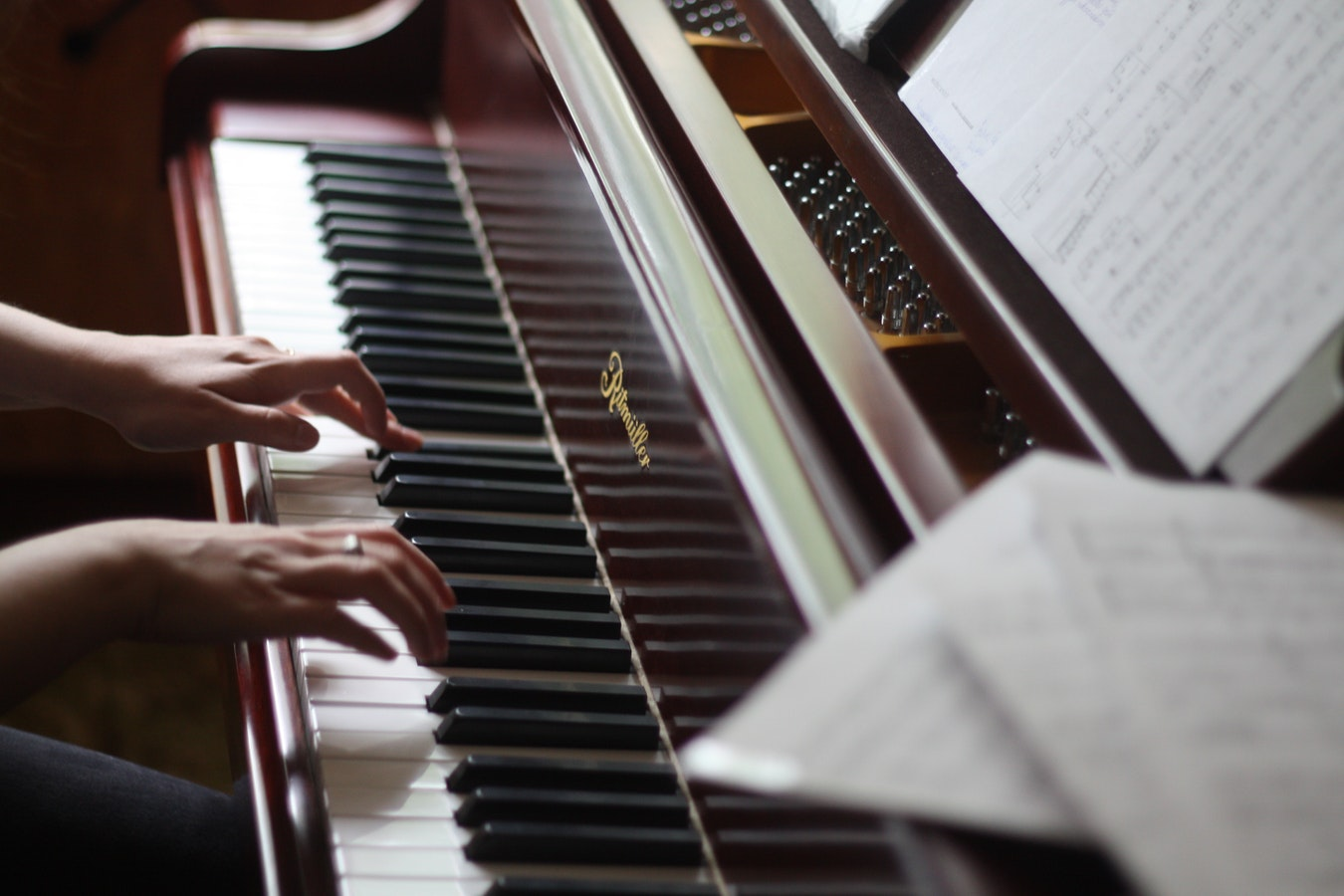 Digital Pianos Are A Great Gift For Your Kids