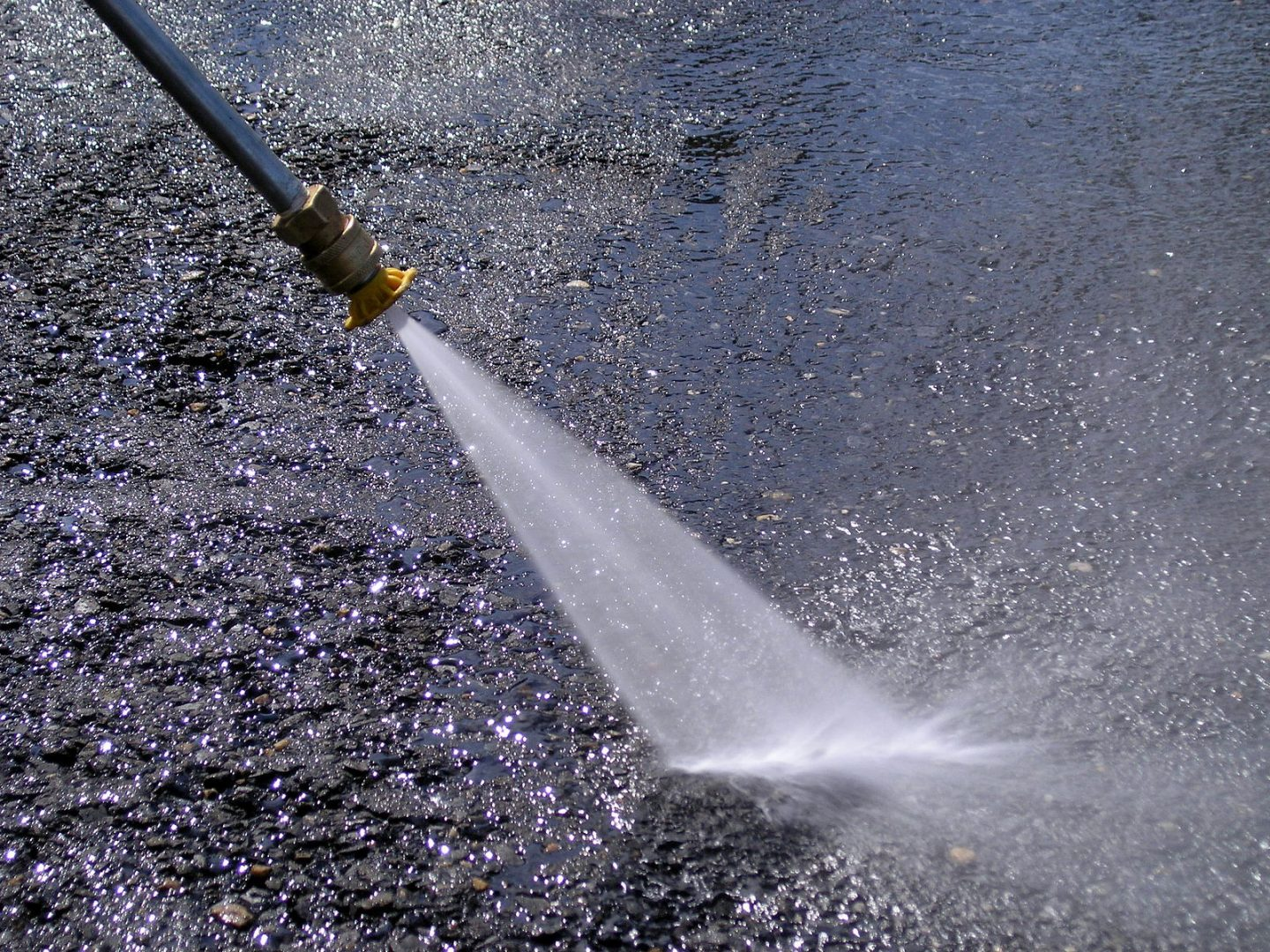 Awesome Benefits of Pressure Washing For Your Home