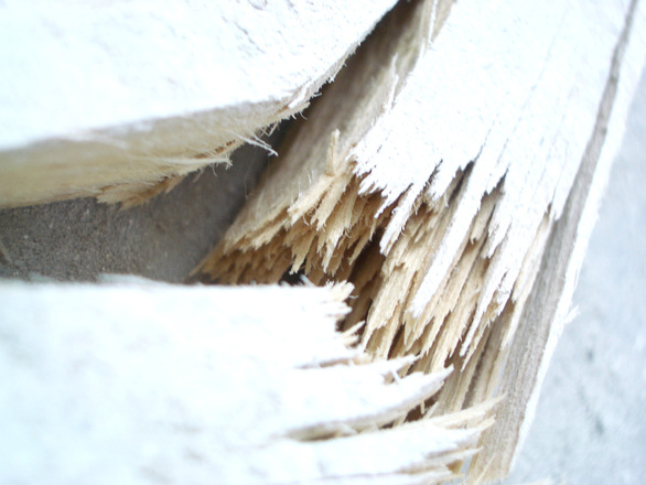 broken-wood-1540805