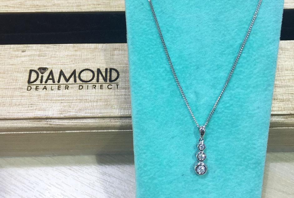 diamond necklace1