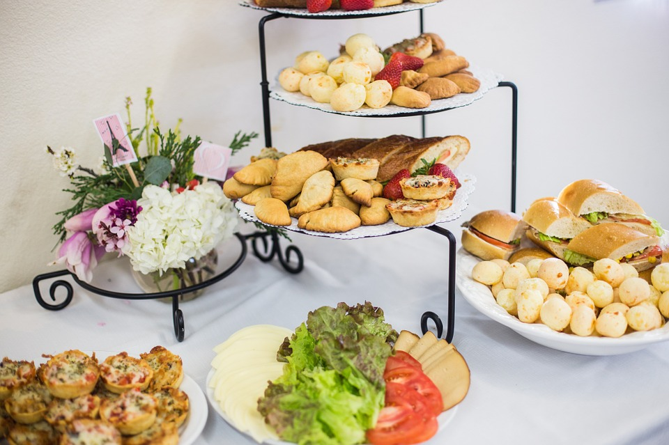 Tips for Throwing a New Year Party at Home