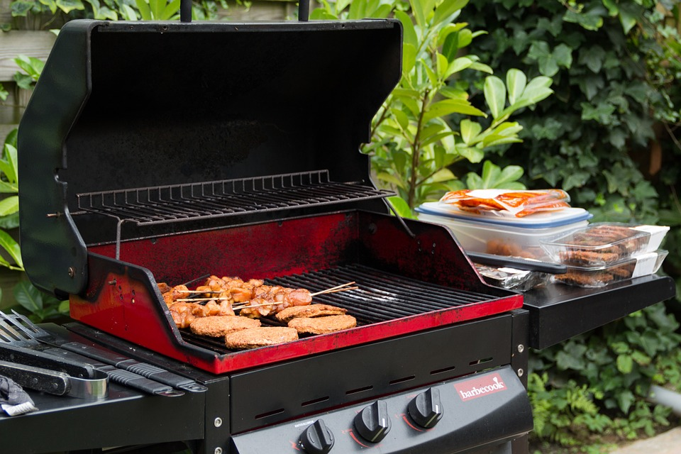 10 Smart Home Gadgets For The Best Summer BBQ