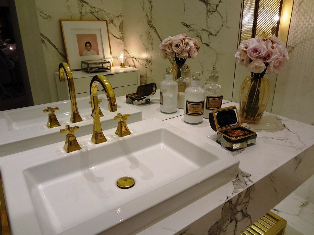 Give Your Bathroom The Look of Luxury With a Few Small Changes