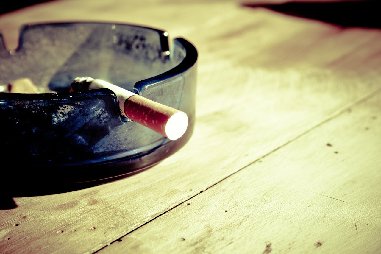 How can smoking affect your appearance?