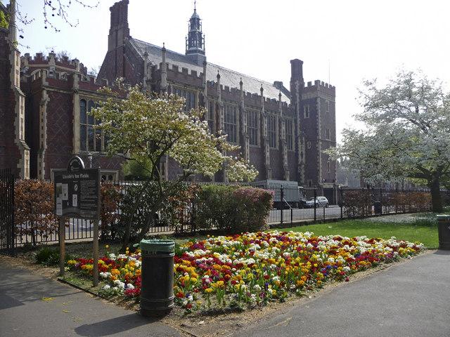 Lincoln's_Inn_Fields,_London_WC1