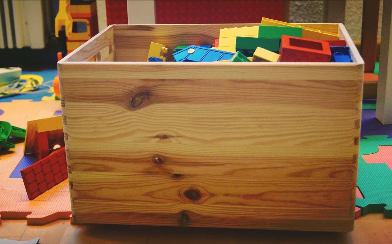 toy-box-1916163_1280