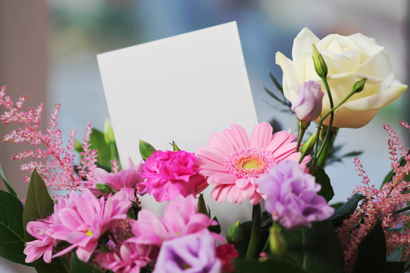 Christmas Shopping | Why Flowers Are an Ideal Gift