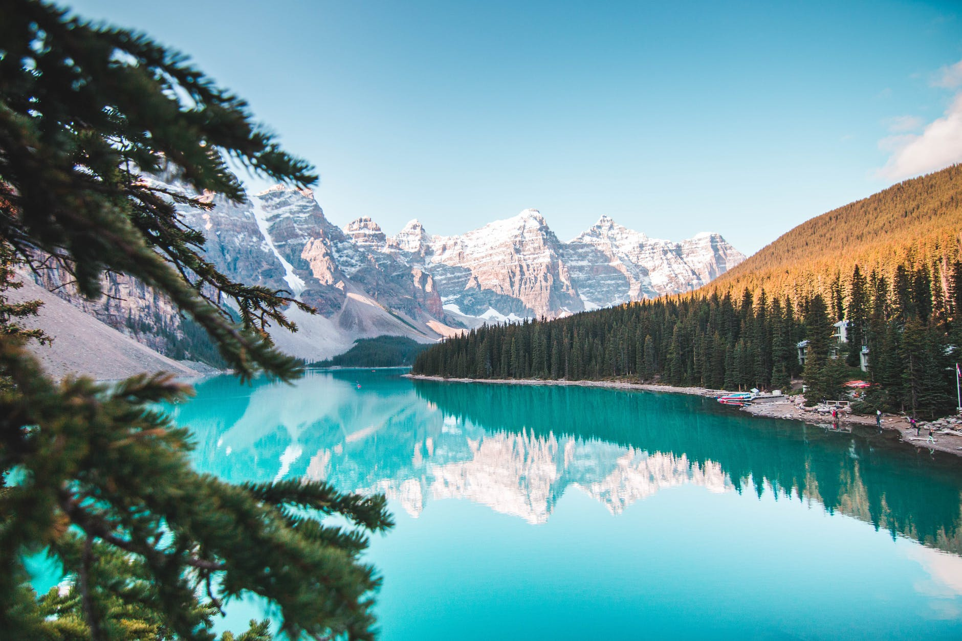 beautiful view of moraine lake
